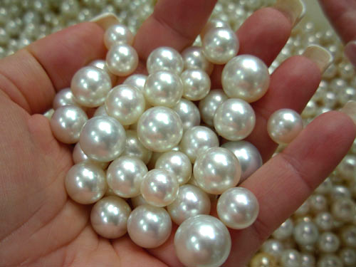 pearls20in20hand11