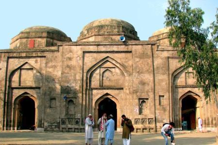 1723008607_f3bdda0059_o-shahi-masjid-rawat-fort