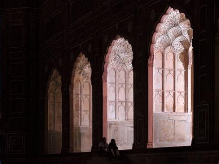 badshahi-arches