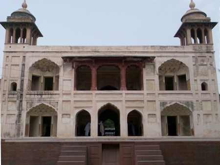 baradari-wazir-khan